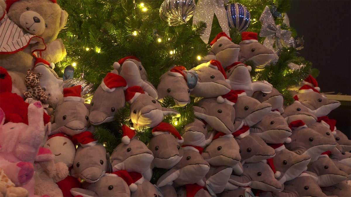 winte rplush christmas tree