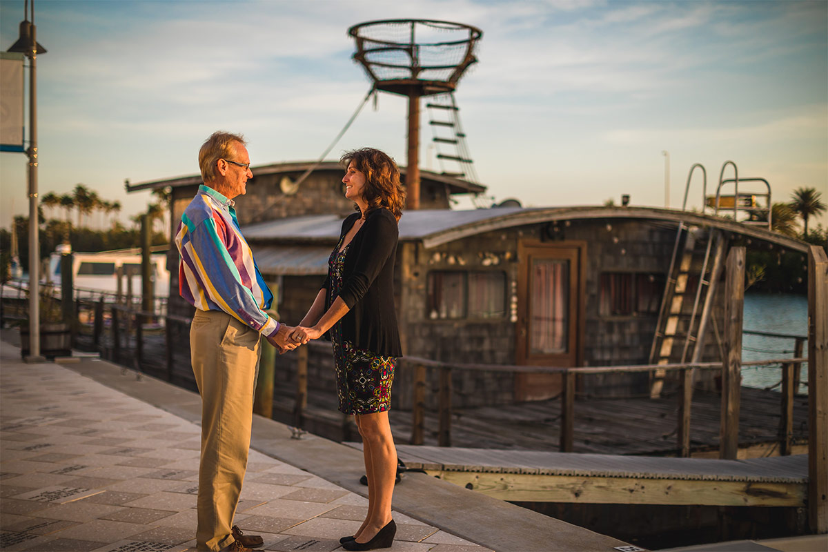 john and mia proposal houseboat